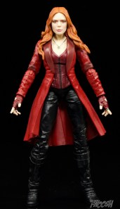 Hasbro-Marvel-Legends-Toys-R-Us-Avengers-Pack-Review-Scarlet-Witch