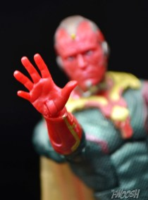 Hasbro-Marvel-Legends-Toys-R-Us-Avengers-Pack-Review-Vision-open-hand