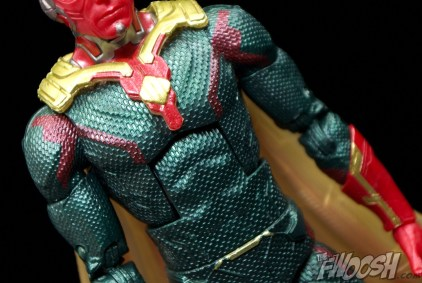 Hasbro-Marvel-Legends-Toys-R-Us-Avengers-Pack-Review-Vision-suit
