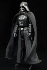 SH-Figuarts-Bandai-Star-Wars-ANH-Darth-Vader-Review-turn-2