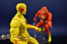 DC Collectibles Essentials Flash and Reverse flash (15)