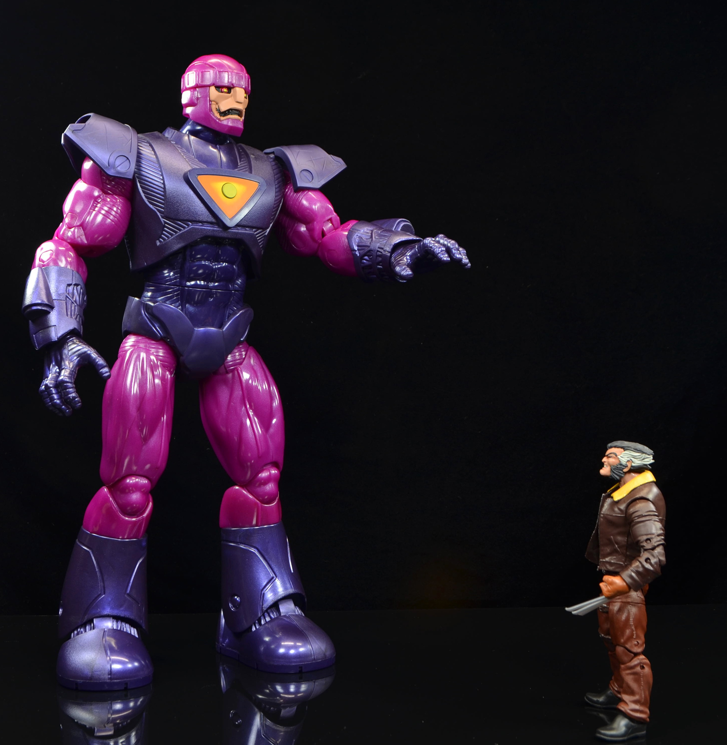 """Marvel Legends Universe GIANT ELECTRONIC SENTINEL 3.75"""" Wolverine Exclusive"""