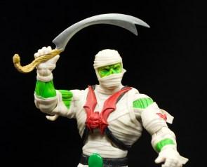 Super-7-Masters-of-the-Universe-Classics-Club-Grayskull-Wrap-Trap-Review-attack