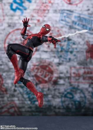 Bandai SH Figuarts Far From Home Upgrade Spider-Man Promo 09