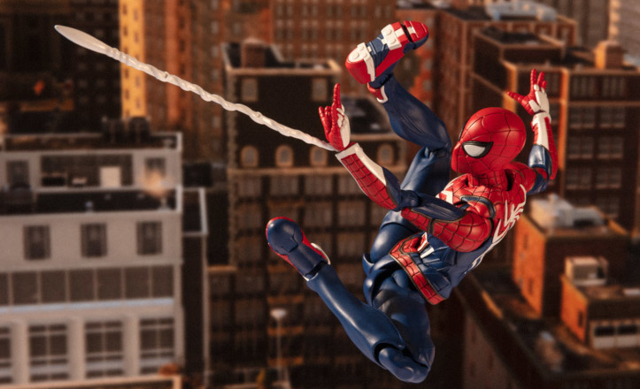 Bandai: S H  Figuarts Spider-Man Far From Home Upgrade Suit and PS4