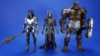 Hasbro Marvel Legends Avengers Infinity War Corvus Glaive and Loki 2 Pack Comparison 03