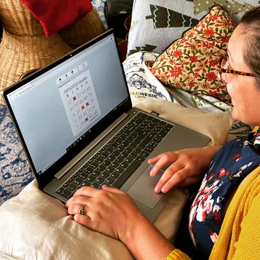 Gabber Staff Writer Laura Mulrooney playing virtual bingo on her laptop