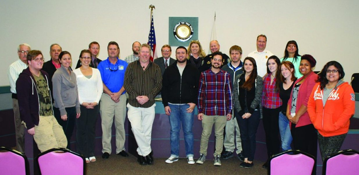 USF-SP students toured Gulfport City Hall with Mayor Sam Henderson in February as part of their public affairs reporting class.