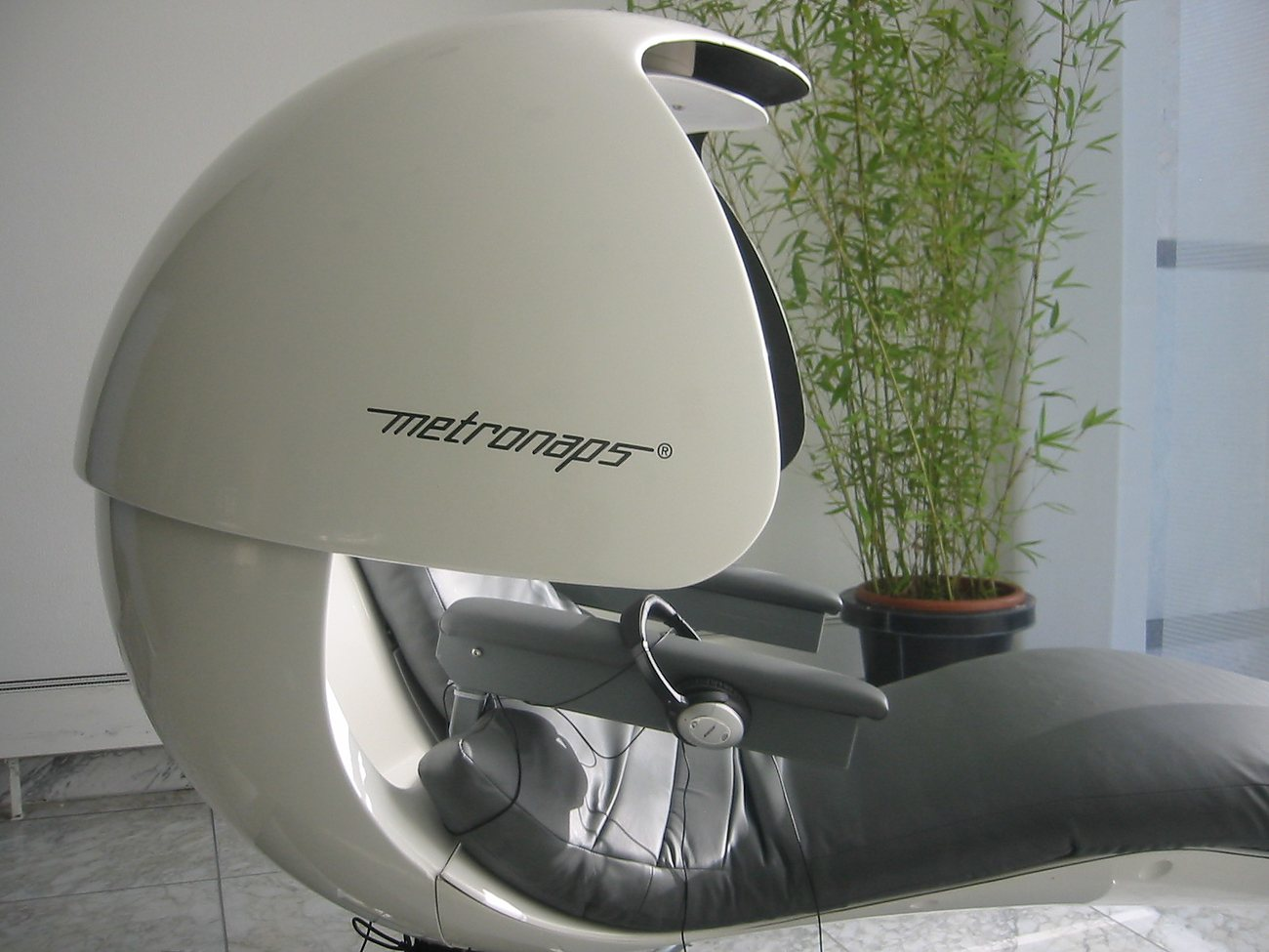 energy pod chair hanging under $200 energypod napping by metronaps gadget flow
