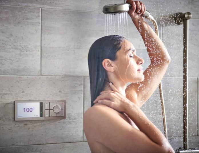 U by Moen smart shower has precise temperatures