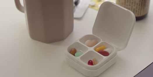 DEFI Smart IoT Pillbox