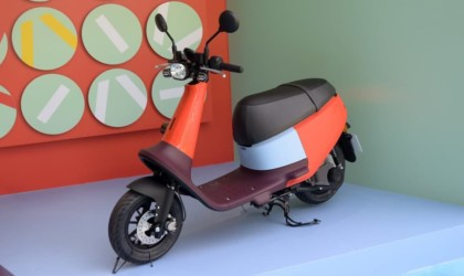 Gogoro VIVA Ultralight Smart Scooter