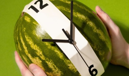 almost object Stretch Clock by Nicolas Baker