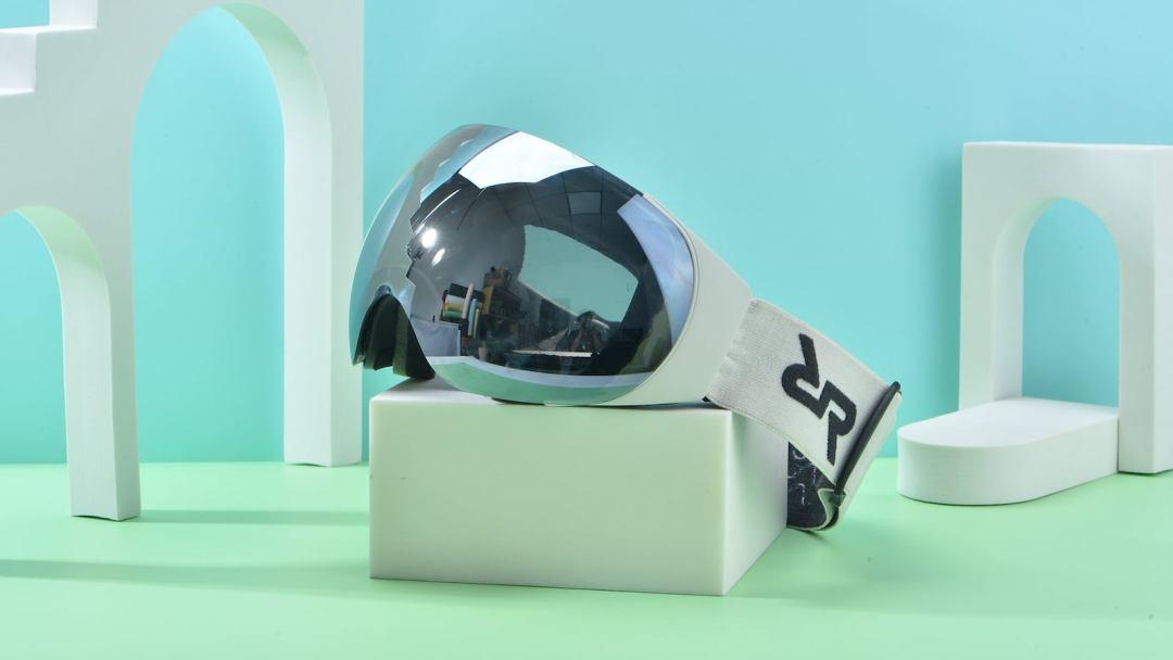 RYIDAR LinkLens smart audio snow goggles