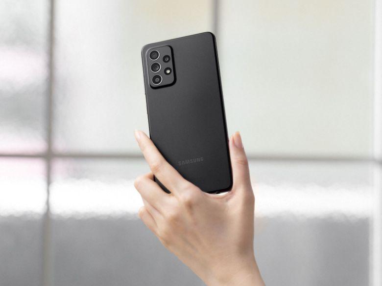 """סמסונג Galaxy A52. צילום יח""""צ"""