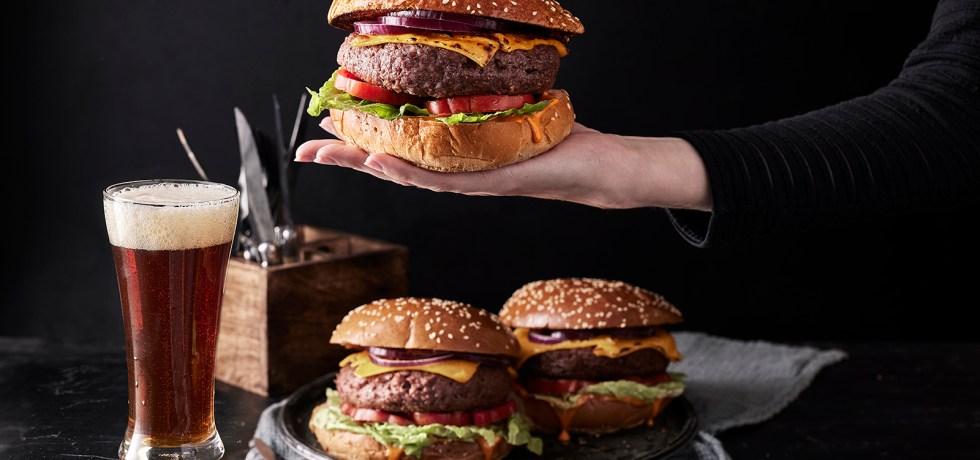 המבורגר של רידיפיין מיט. צילום אפיק גבאי, סטיילינג נעה-קנריק