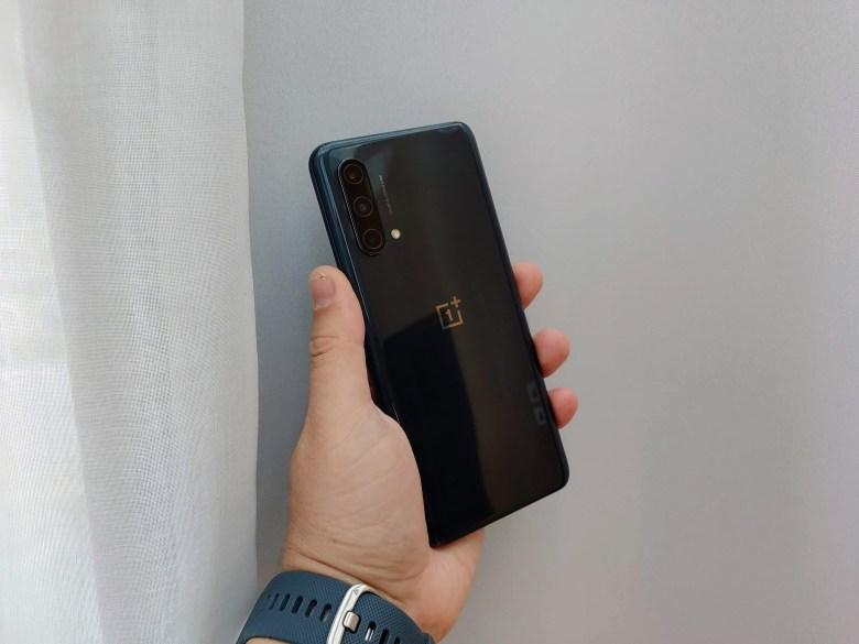 OnePlus Nord CE 5G. צילום צחי הופמן