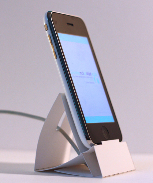smartphone docking station - Top 5 Essential Accessories for Your Android and iPhones