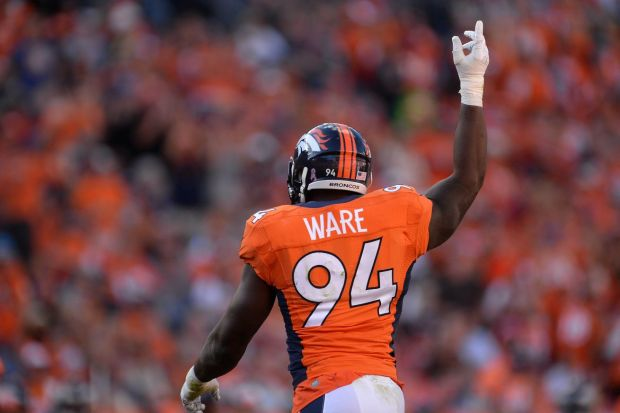 DeMarcus Ware is still interested in returning to the Broncos, but he is also interested in returning to where it all started in Dallas.  (Ron Chenoy/USA TODAY Sports)