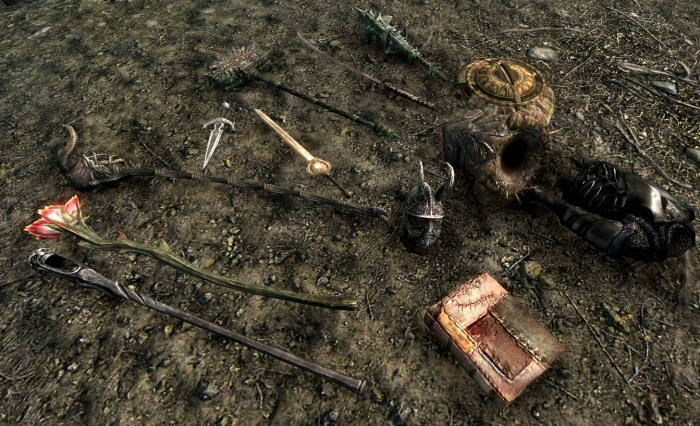 Hmm, those Daedric Artifacts are great. From daggers and shields to staffs and armor, there's a bit of everything!