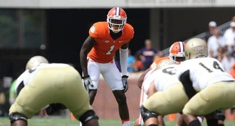 Jayron Kearse has been a key to helping in run support from the safety position. Courtesy of chatsports.com