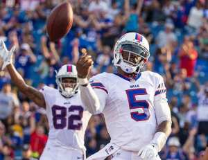 (http://www.buffalobills.com/news/article-1/Players-excited-by-what-Taylor-brings-at-quarterback/9645f582-8c2e-4611-b78b-66e157938a1e)