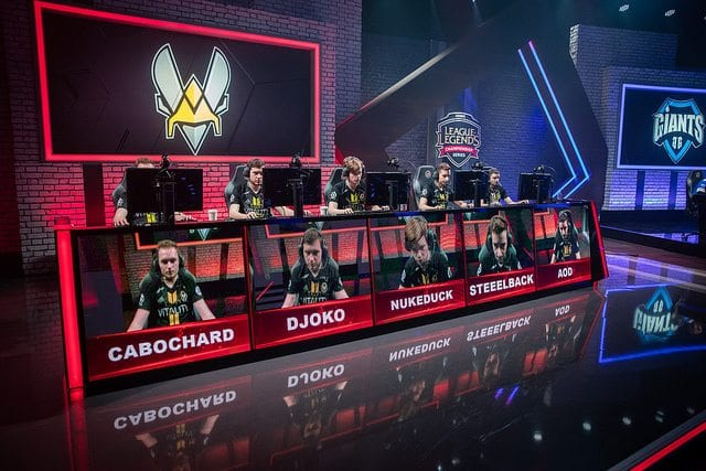 Week 8: Team Vitality on stage