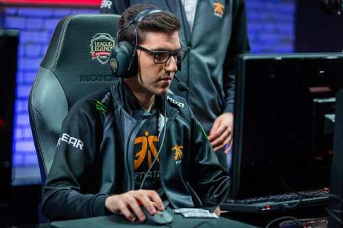 FNA Nisqy enters NA LCS ad mid laner for Team Envy