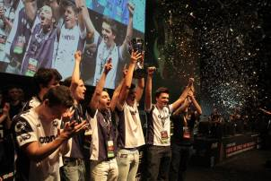 Giants Gaming played in the amateur scene during 2014
