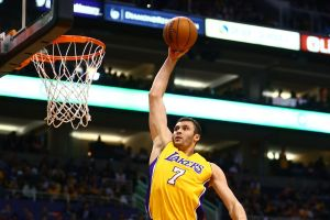 Lakers acquire