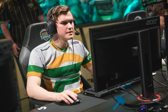 Santorin joins FlyQuest for the 2018 NA LCS Summer Split week one
