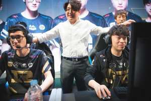 Heart is a Korean coach for Royal Never Give Up