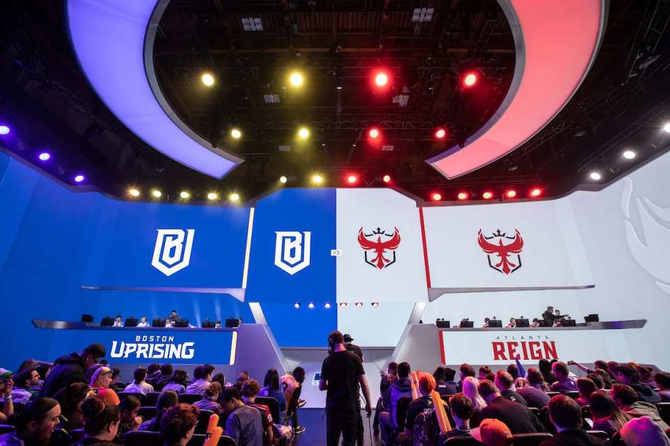 Uprising Sign Off Tank Brussen