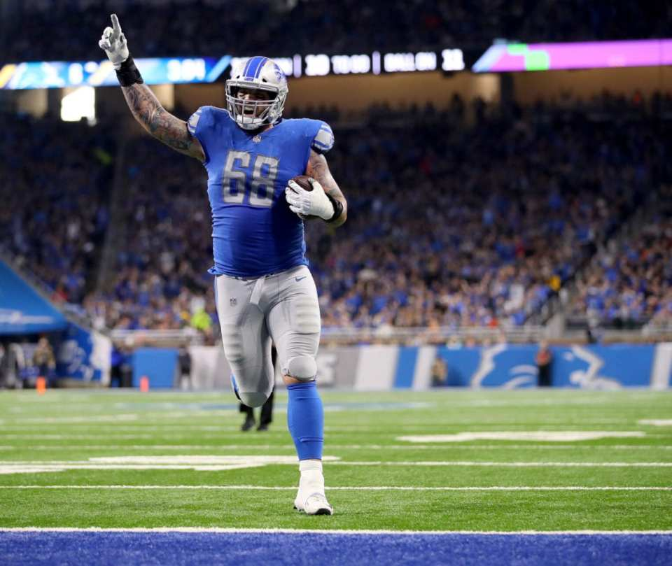 Taylor Decker contract