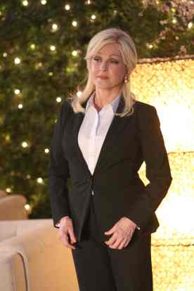 """BONES: Guest star Cyndi Lauper in the """"The Final Chapter: The Day In the Life"""" episode of BONES airing Tuesday, March 21 (9:01-10:00 PM ET/PT) on FOX. ©2017 Fox Broadcasting Co. Cr: Ray Mickshaw"""