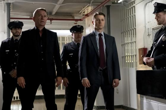 Gotham-405b_SCN24_JN0111_hires2