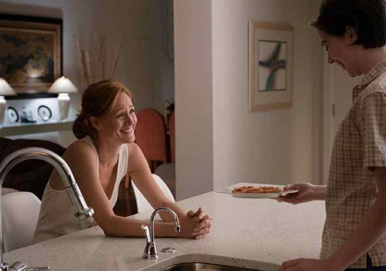 Donna and Hayley, bagel bitin'.