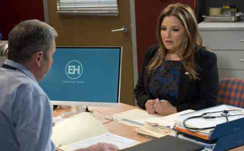 landscape-1497823782-soaps-neighbours-terese-willis-breast-cancer-diagnosis-2