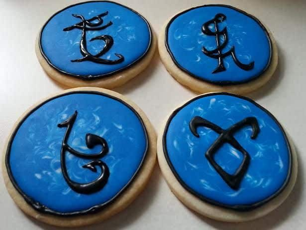 TGON_Bakes_shadowhunter_runes_cookies