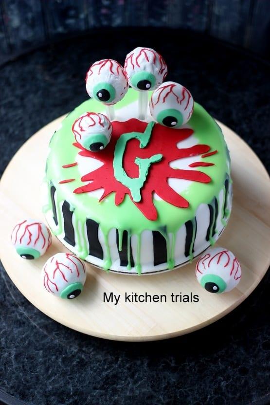 TGON-BAKES-GOOSEBUMPS-2-HAUNTED HALLOWEEN-CAKE