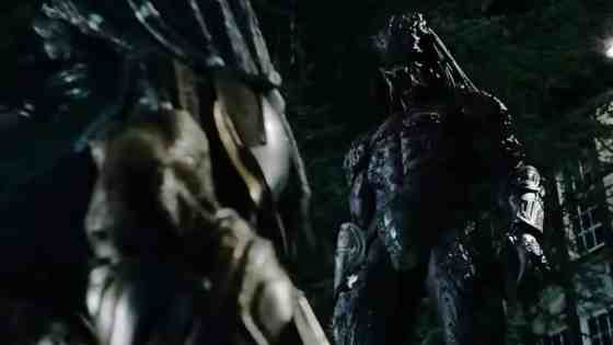 new-action-packed-trailer-for-the-predator-reveals-a-second-predator-social