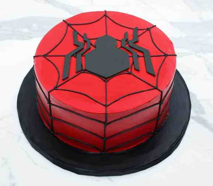TGON-BAKES-SPIDERMAN-CAKE