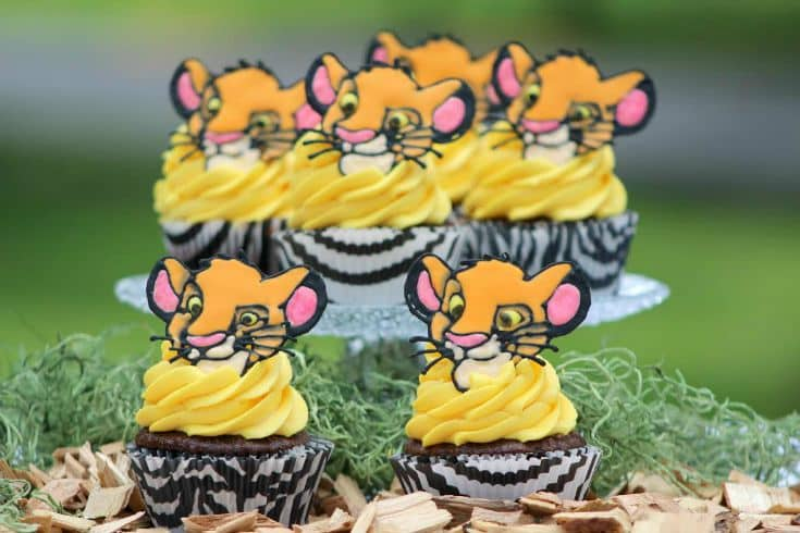 TGON-BAKES-THE-LION-KING-CUPCAKES