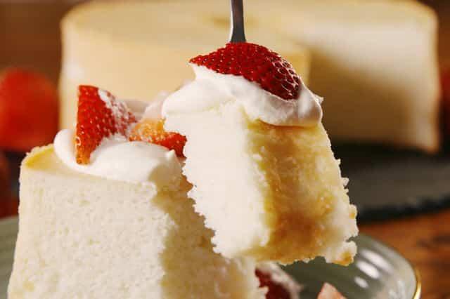 TGON-BAKES-CHARLIES-ANGELS-ANGEL-FOOD-CAKE