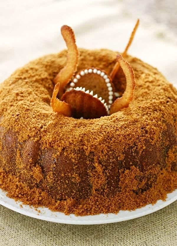 TGON-BAKES-STAR-WARS-SARLACC-BUNDT-CAKE