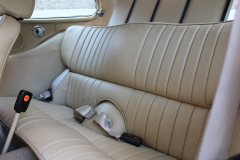 1973 Jaguar E-Type V12 interior