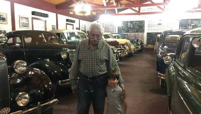 Mora nos Clássicos: Conheça Um dos Maiores Colecionadores de Carros Antigos