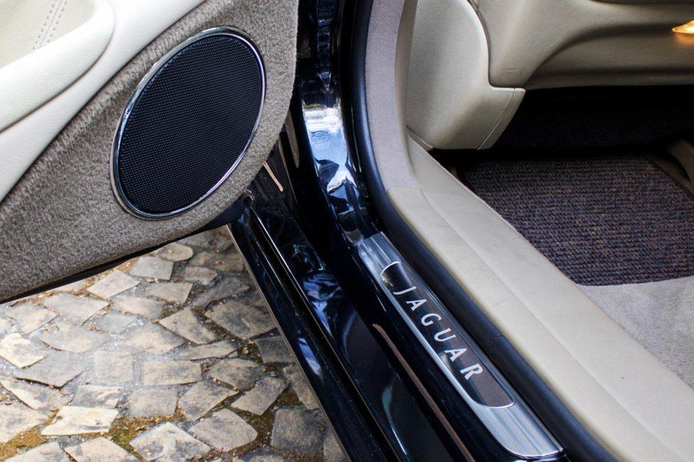 interior jaguar XJ8 Supercharger 2004