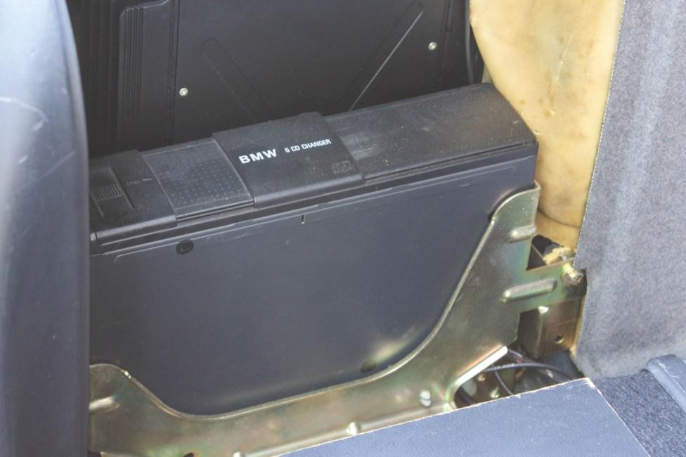BMW-528i-E39-portamalas