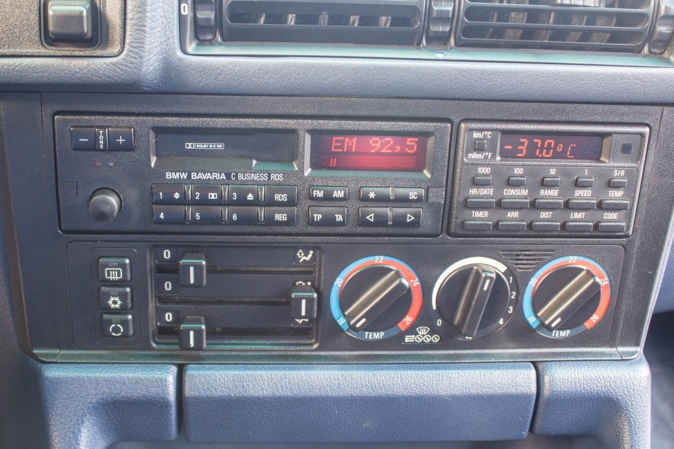 1993 BMW 525i touring E34 Radio
